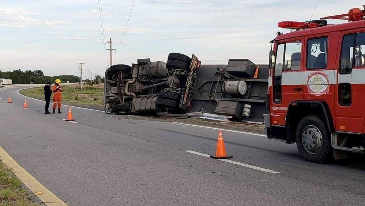 Volcó un camión en cercanías de Alcira Gigena