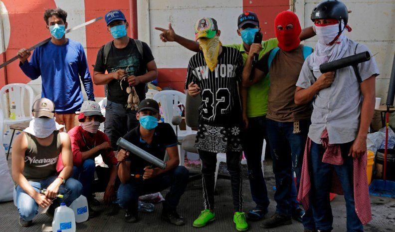 Ortega evalúa un diálogo para hacer frente a la crisis