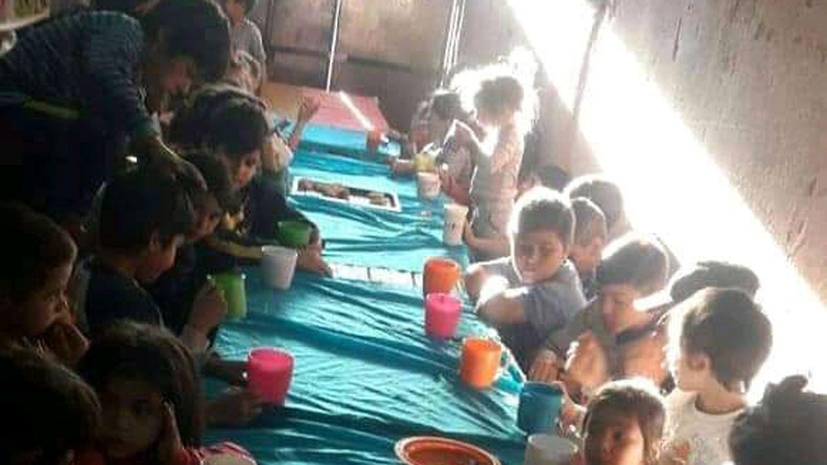 Todos los días visitan el merendero Rayito de Sol más de 80 niños del barrio Alberdi.