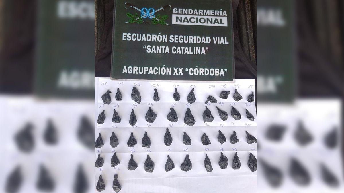 Le secuestraron cocaína a una pasajera que iba en un colectivo a La Carlota