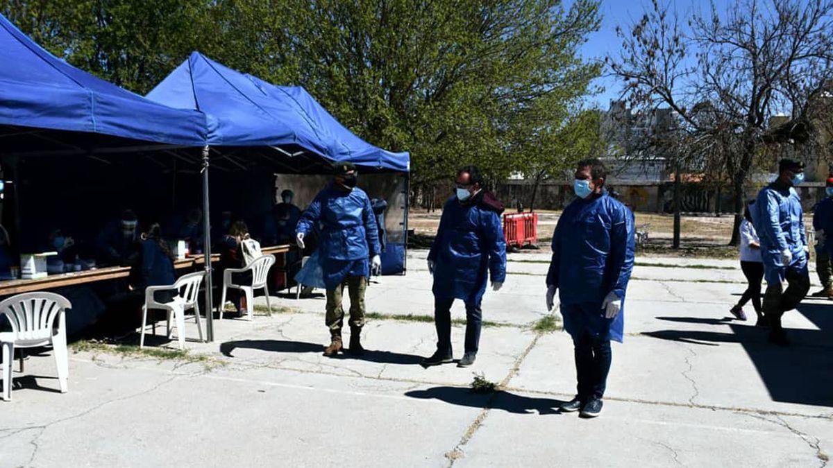 Informaron 1.573 casos nuevos y 17 fallecimientos en la provincia