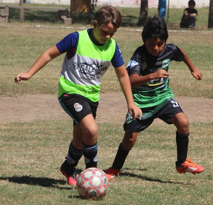 Gimnasia de Ballesteros lidera en tres categorías del campeonato Apertura