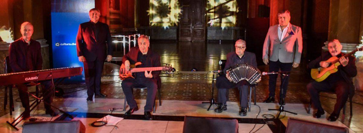 Músicos cordobeses homenajean a Gardel.