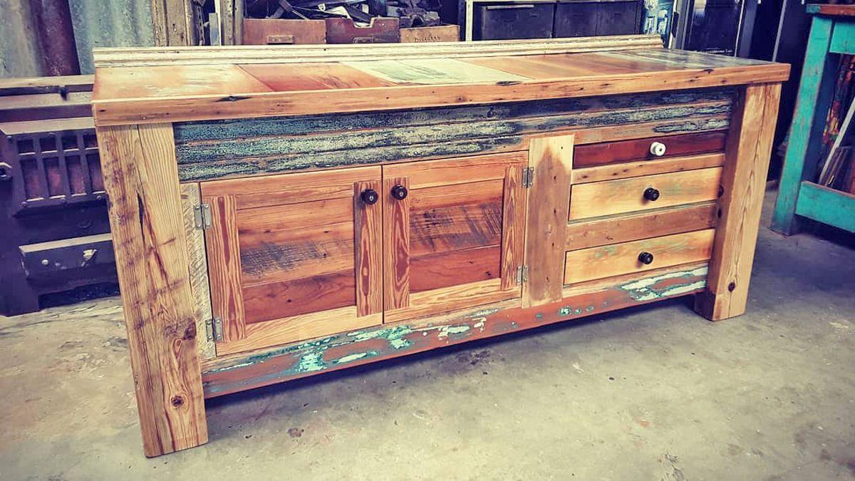 Cada madera y pieza que conforma un mueble tiene su propia historia.