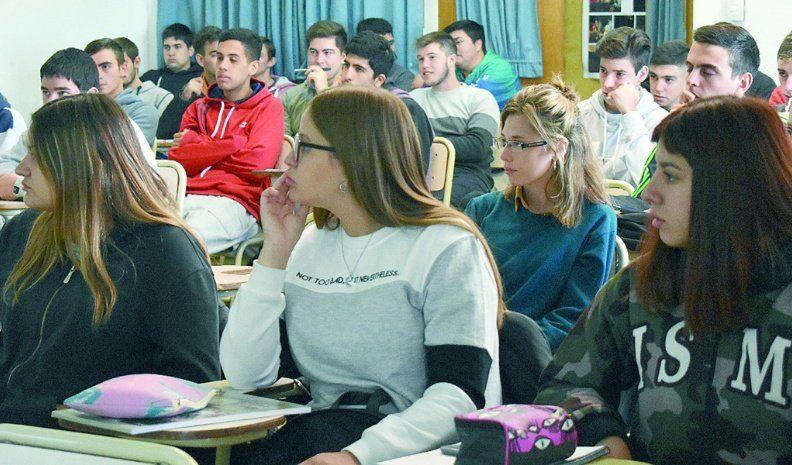 Revista especializada reflejó una experiencia local en educación