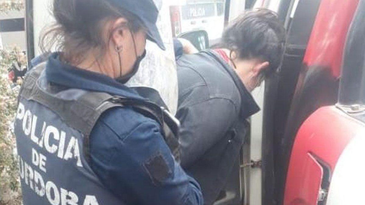 Una mujer quedó detenida por agredir a efectivos policiales
