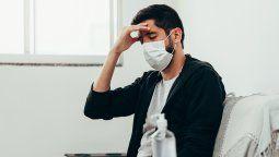 Las personas experimentar una gama de síntomas nuevos o en curso que pueden durar semanas o meses después de haberse infectado por primera vez, incluso si la enfermedad fue leve.
