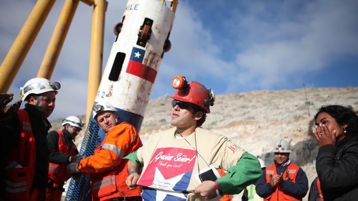 Los 33 mineros estuvieron durante 69 días atrapados en una mina.