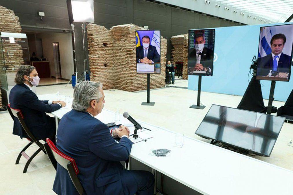 Fuerte contrapunto entre presidentes en el acto por el 30º aniversario del Mercosur