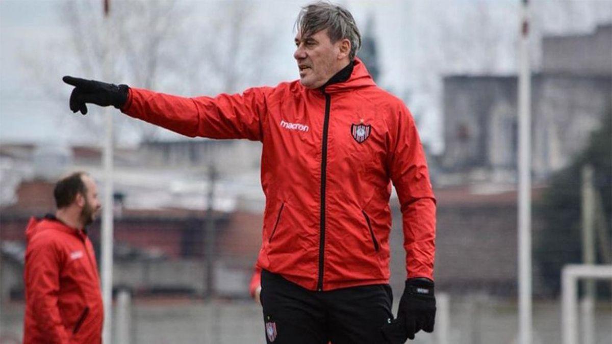 Vivaldo: Yo a Chacarita lo amo, es el club más importante de mi carrera