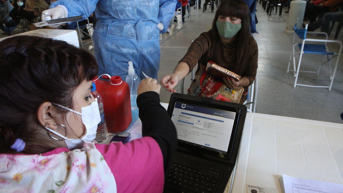 Durante esta semana pretenden vacunar a más de 1.500 personas por día.
