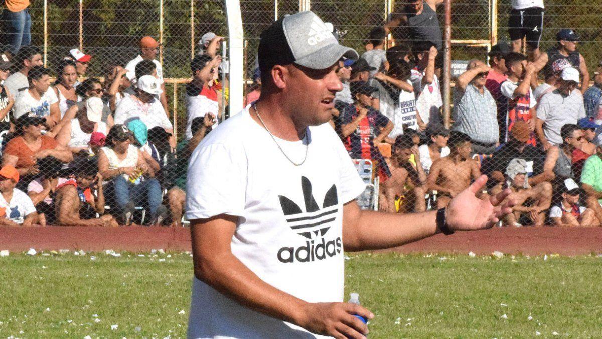 """Cristian Agosto conduce al """"santo"""" de Las Perdices"""