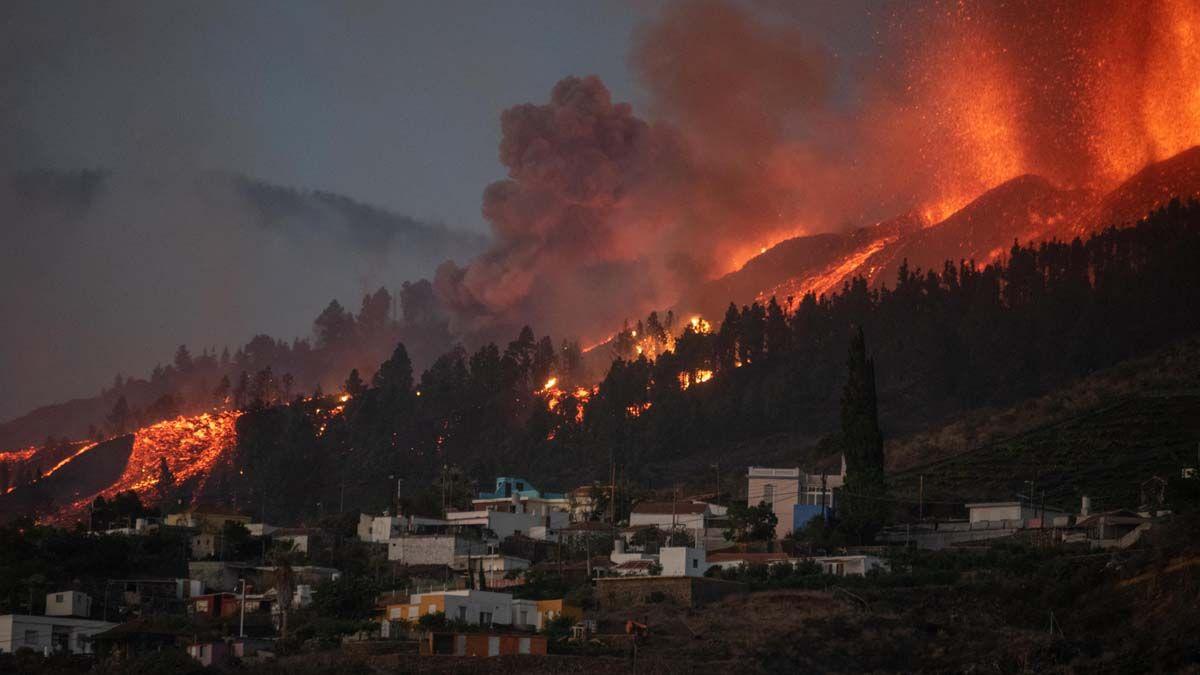Más de 5 mil evacuados por la erupción del volcán en La Palma