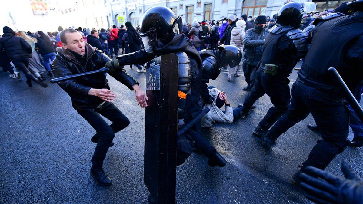 Centenares de detenidos en Rusia en protestas a favor de la liberación de Navalny