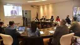 El intendente interino, Pablo Rosso, participó junto a los secretarios del gabinete de la reunión que los 427 intendentes de la provincia mantuvieron con ministros del Gobierno de Córdoba.