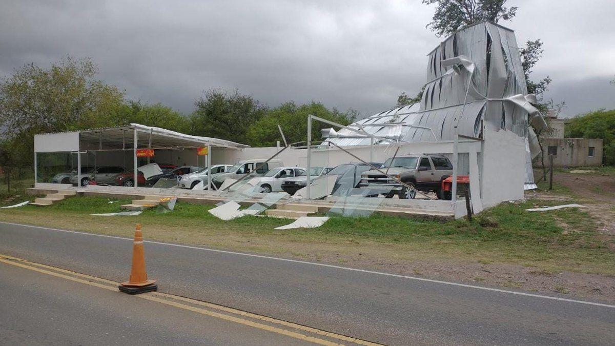 La tormenta causó destrozos en localidades del Valle de Calamuchita.