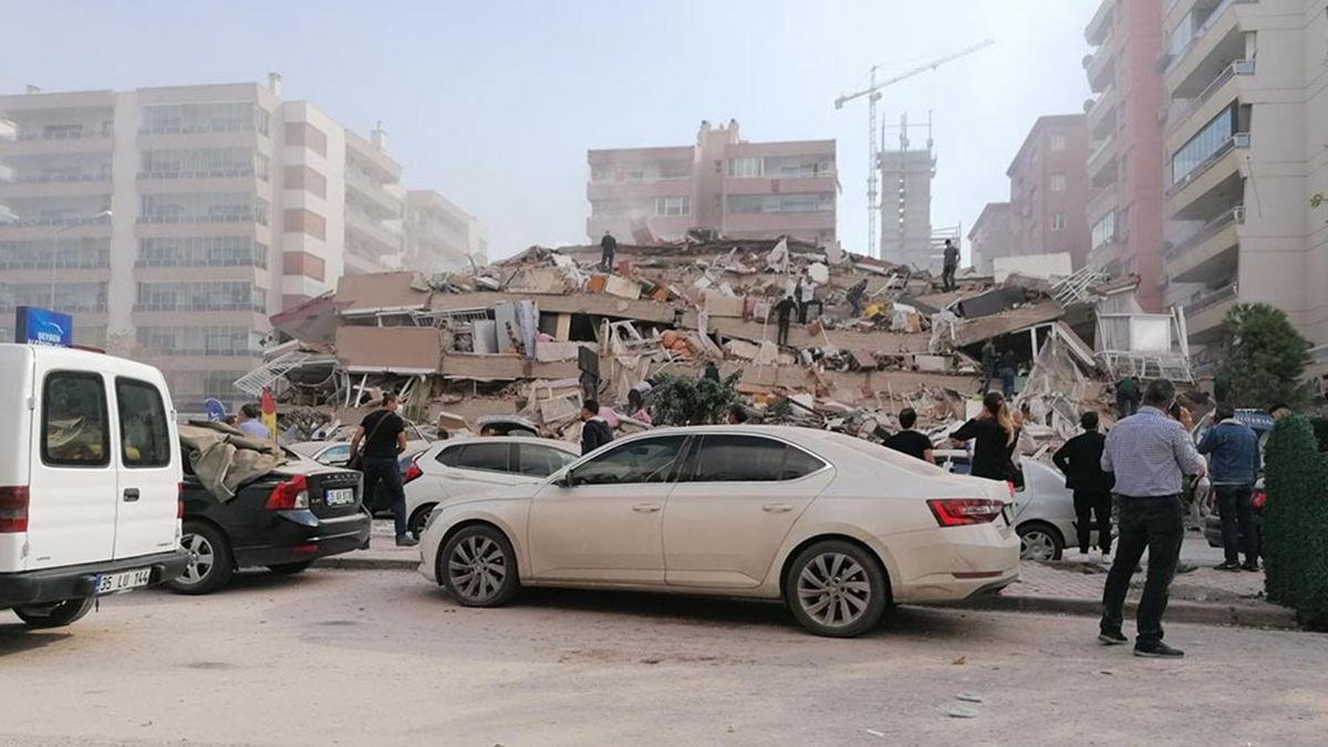 Un fuerte terremoto y un pequeño tsunami dejaron 14 muertos y 500 heridos en Turquía y Grecia