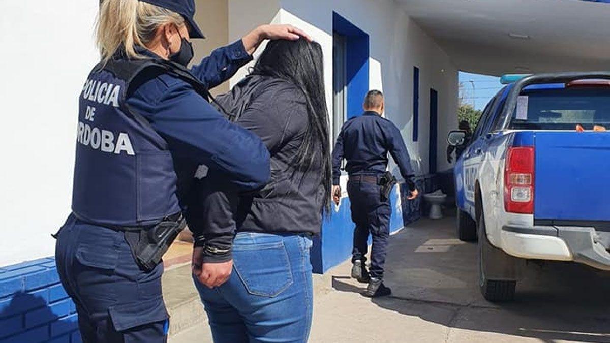 Dos hombres y una mujer son los detenidos en el operativo.