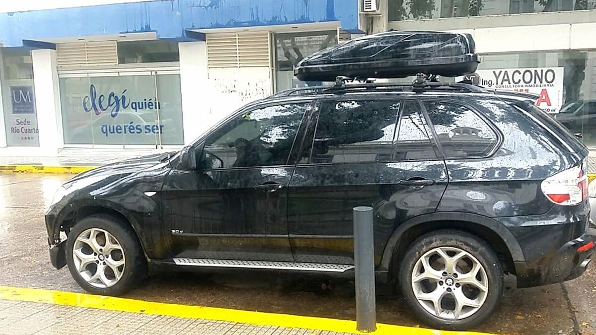 El detenido se movilizaba en una camioneta importada.