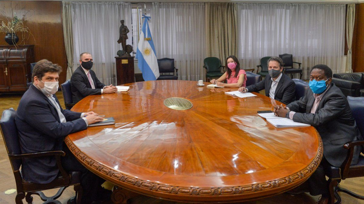 Guzmán destacó los avances en el programa con el FMI