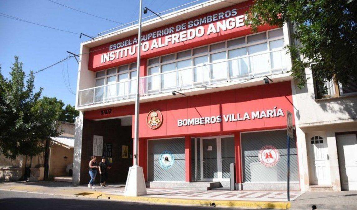 Bomberos de Villa María asistió con 30 efectivos a incendio en la zona rural de Silvio Pellico