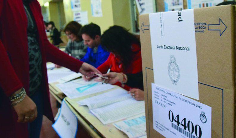 Intendentes radicales definirán en conjunto el llamado a elecciones