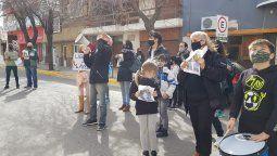 Tercera marcha por Ayelén Fernández. La familia solicita la prisión domiciliaria mientras continúa la investigación. La acusada permanece en el Establecimiento Penitenciario N° 5.