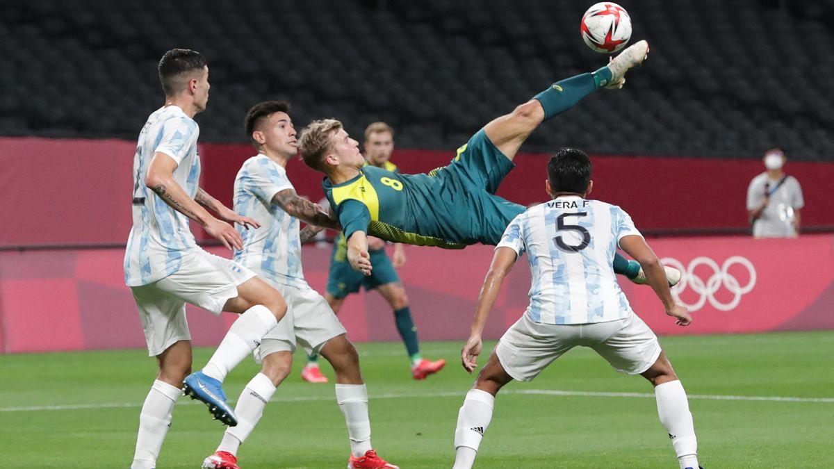 Argentina cayó en su debut ante Australia.