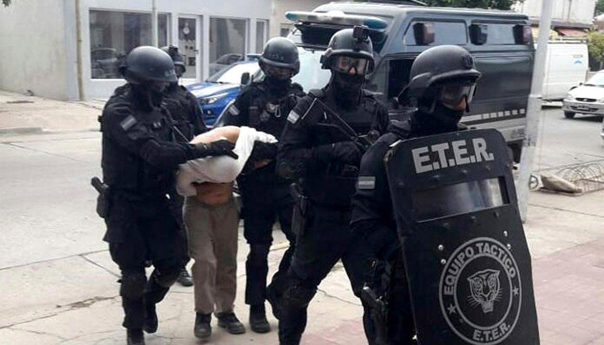 Detuvieron al asaltante que baleó al dueño de una tienda en barrio Alberdi