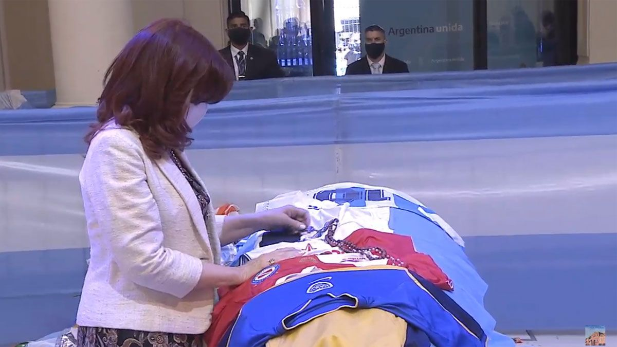 Cristina Kirchner despidió a Maradona en Casa Rosada