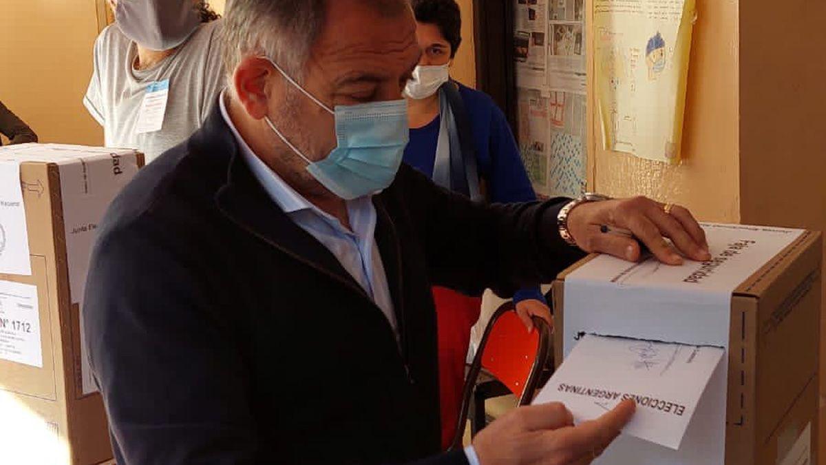 Luis Juez votó en la ciudad de Córdoba.