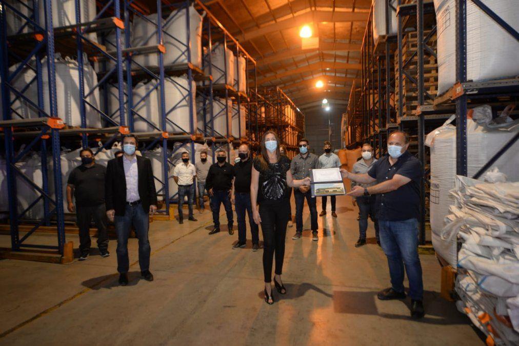 Schiaretti entregó la aprobación definitiva al Parque Industrial de Arroyo Cabral
