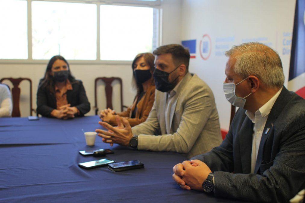 Navarro se refirió a la importancia de abordar el grooming y destacó el compromiso de la Universidad Nacional Villa María.