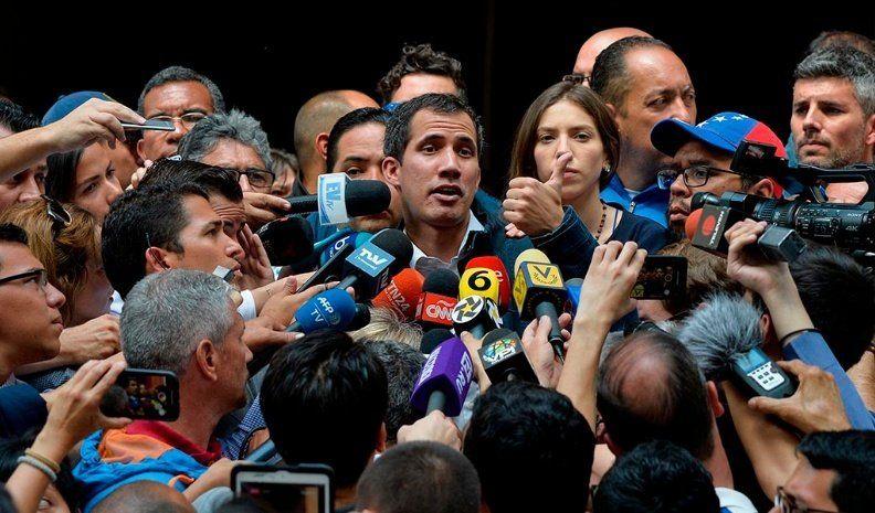 Guaidó dijo que asumió el control de las cuentas de Venezuela en el exterior