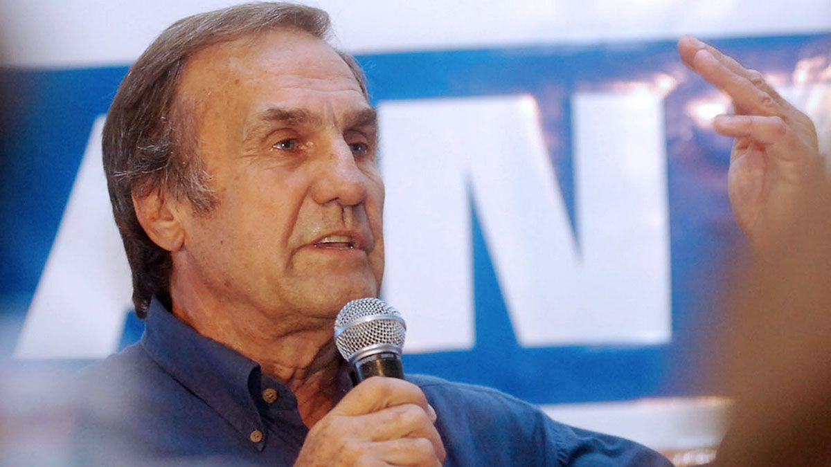 El Gobierno decretó dos días de duelo nacional por la muerte de Reutemann.