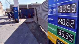 El litro de nafta premium ya  superó los $ 40 en la ciudad