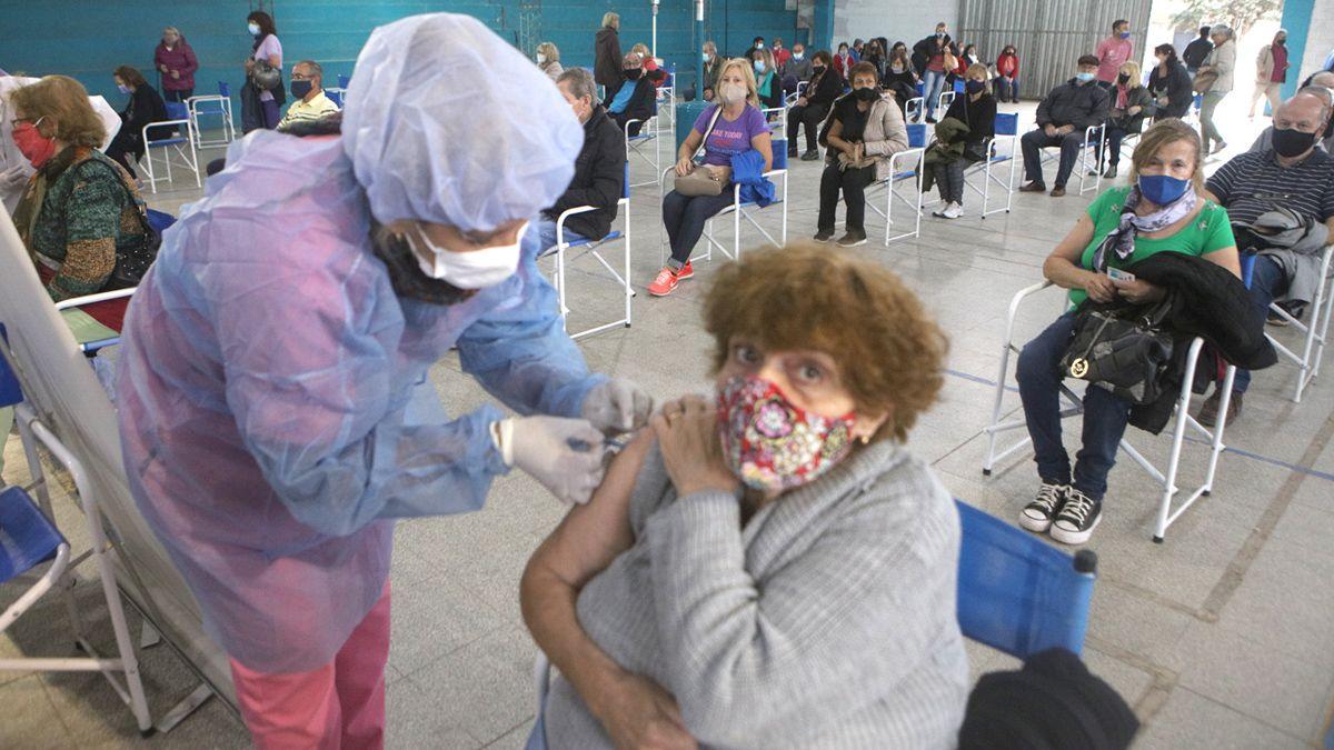 En Córdoba se aplicaron 925.335 vacunas contra el coronavirus hasta ayer.