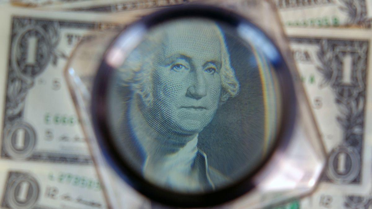 Los bancos reiniciaron la compra de dólar ahorro luego de las nuevas regulaciones del Banco Central.