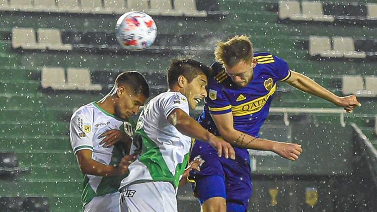 Boca y Banfield empataron bajo la lluvia