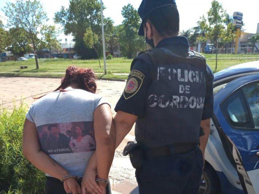 Barrio La Calera: allanamiento y detención de una mujer de 38 años por una fiesta clandestina