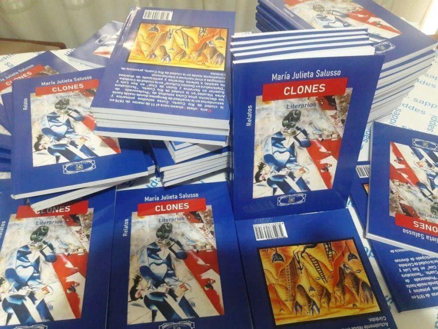 Clones literarios se presenta hoy en la Tintorería Japonesa.