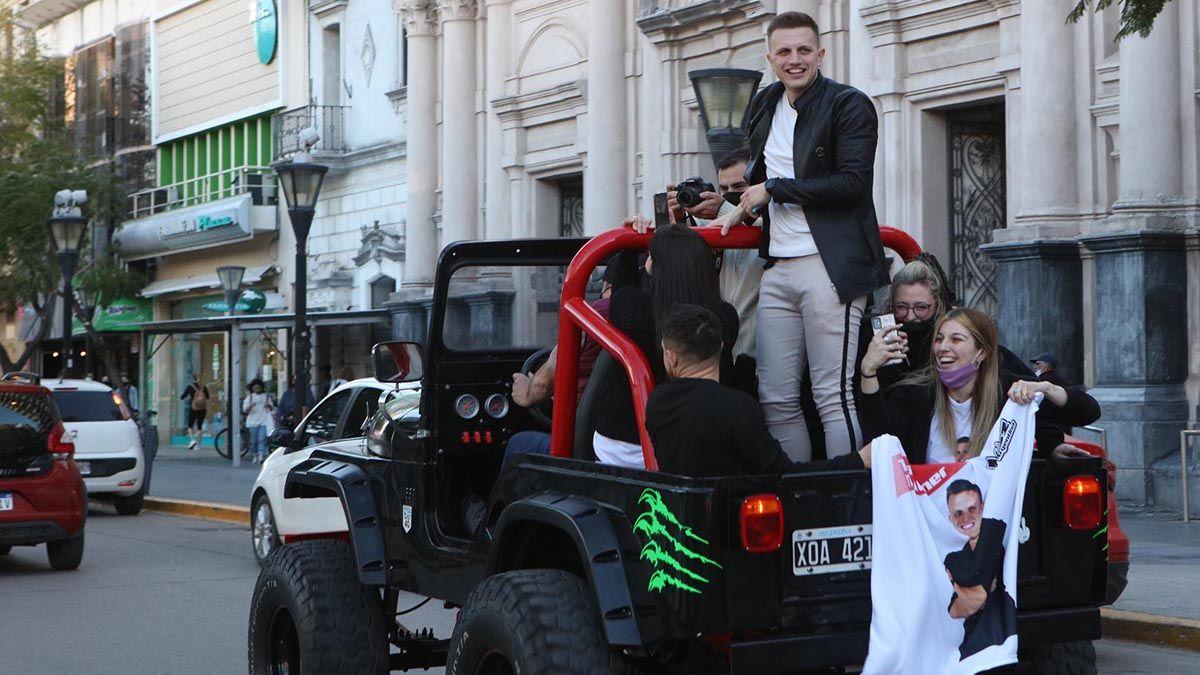 Ezequiel Pedraza fue recibido con una caravana.