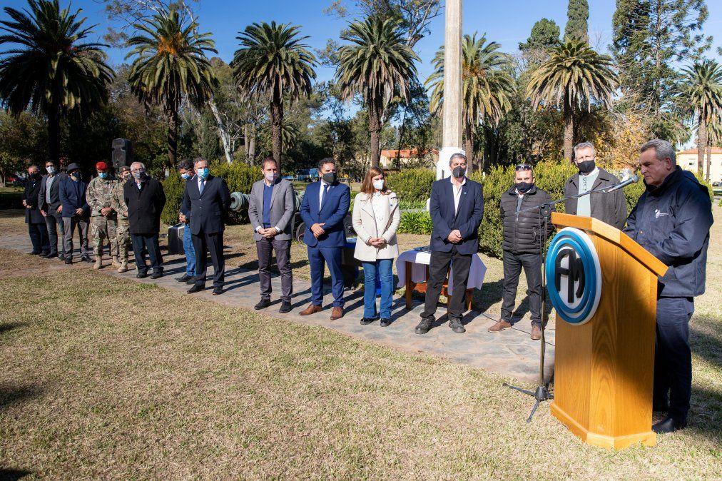 El ministro Rossi estuvo acompañado de funcionarios nacionales