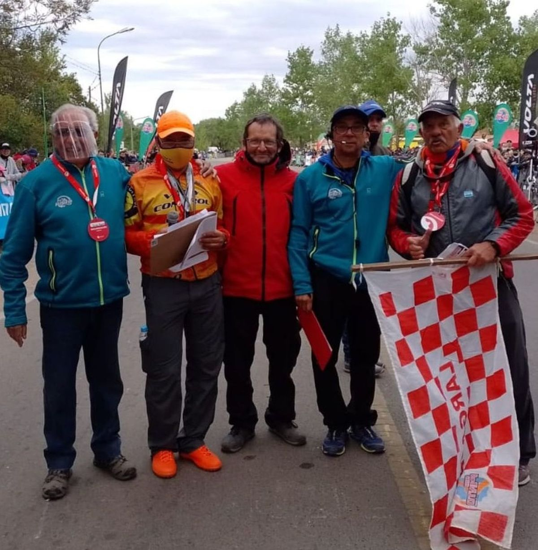 El villamariense Oscar Calderón fue el comisario deportivo del evento que contó con ciclistas de todo el país.