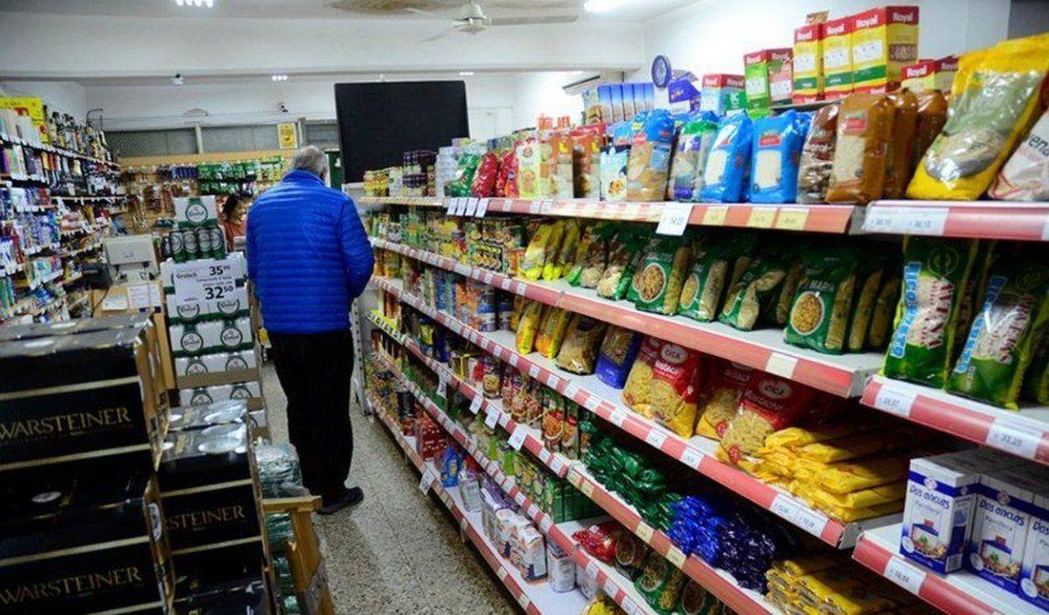 """La propuesta """"Super Cerca"""" apunta a congelar el precio de productos alimenticios y de limpieza hasta diciembre."""