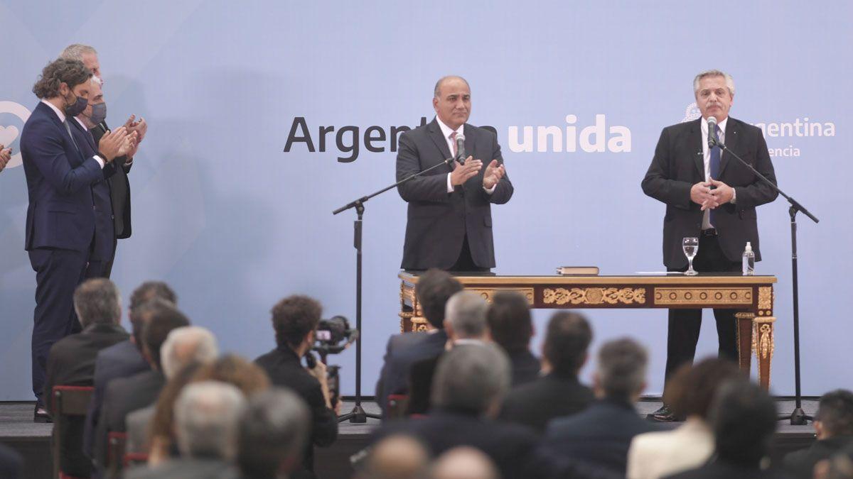El presidente Alberto Fernández le tomó juramento a los nuevos ministros.
