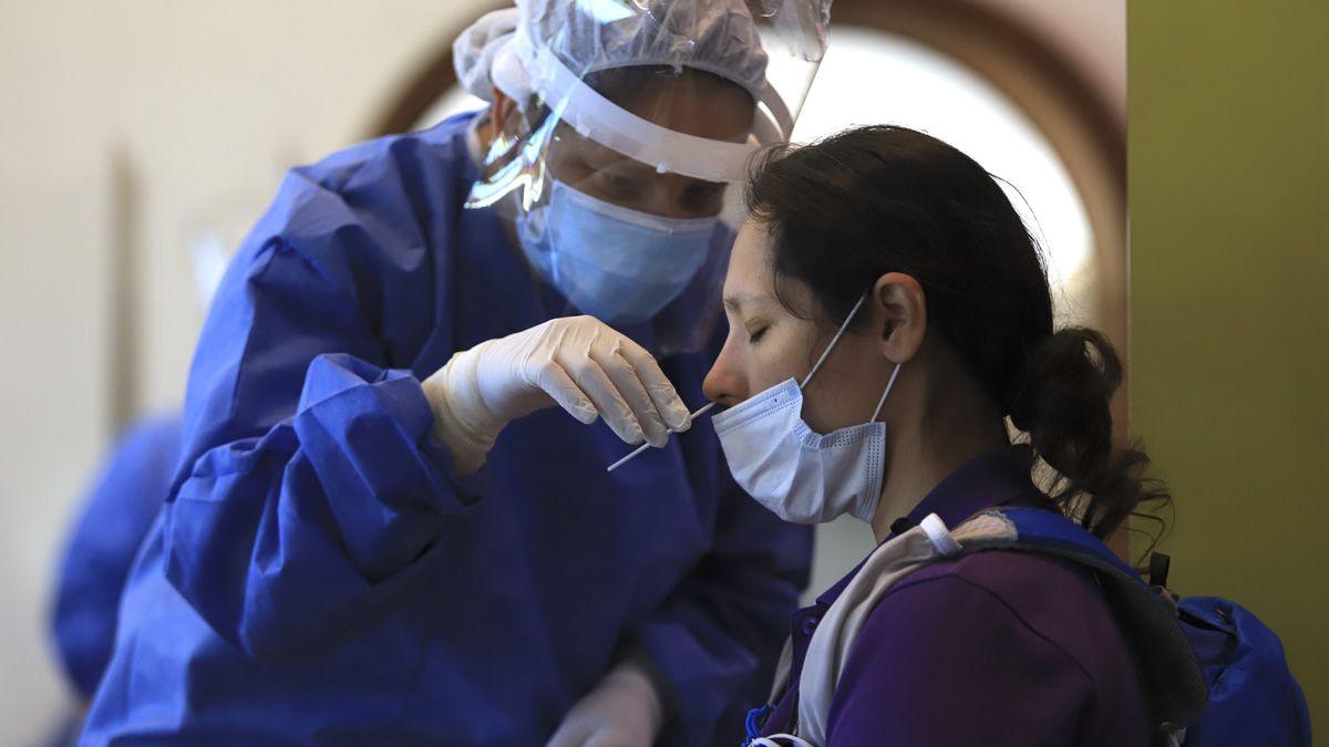 Reportaron 16.502 casos de coronavirus en Argentina.