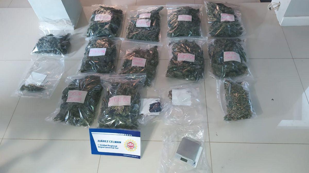 En uno de los domicilios de Deheza incautaron más de 2 kilos de marihuana.