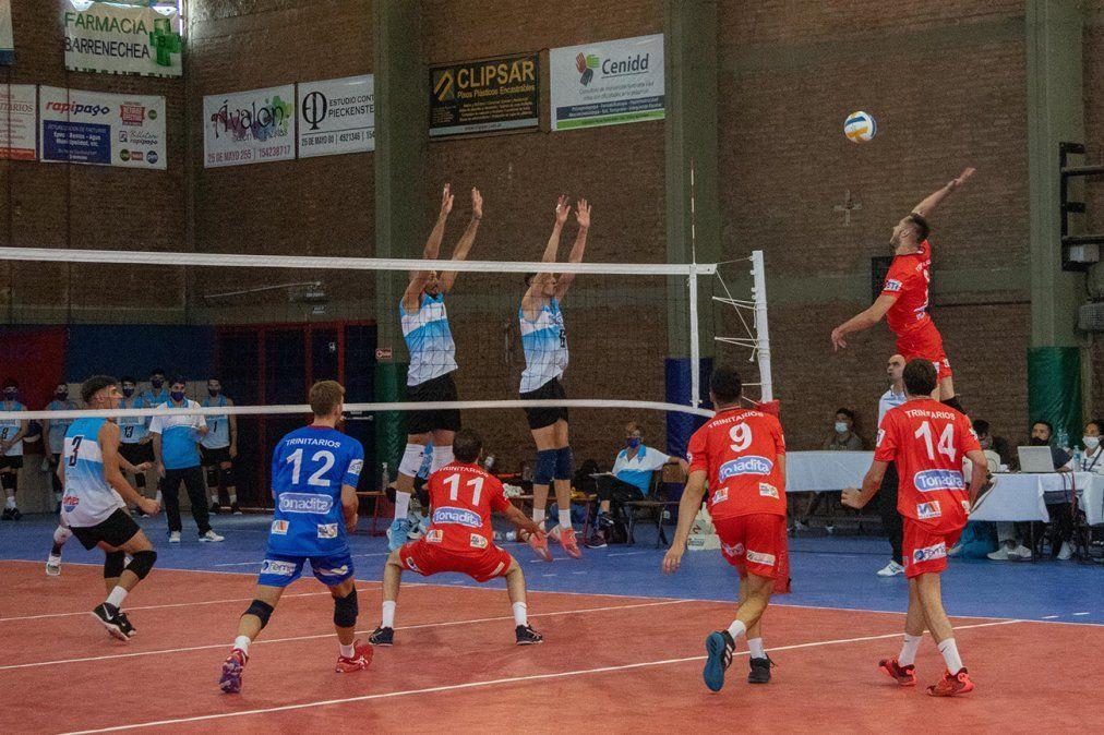 Inicio agridulce: Trinitarios ganó en forma contundente y Rivadavia cayó