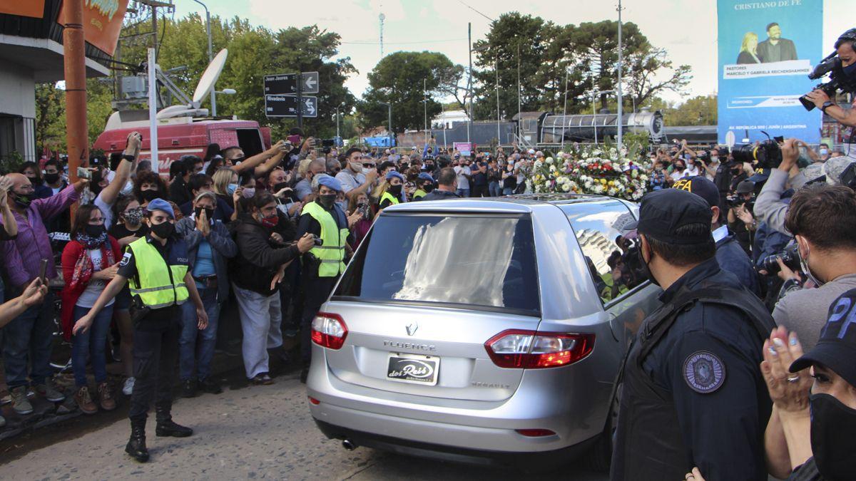 Los vecinos de Junín dieron el último adiós en las calles de la ciudad.